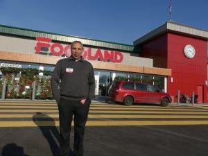 Dan Pettigrew, owner at Winchester Foodland. Zandbergen photo, Nation Valley News